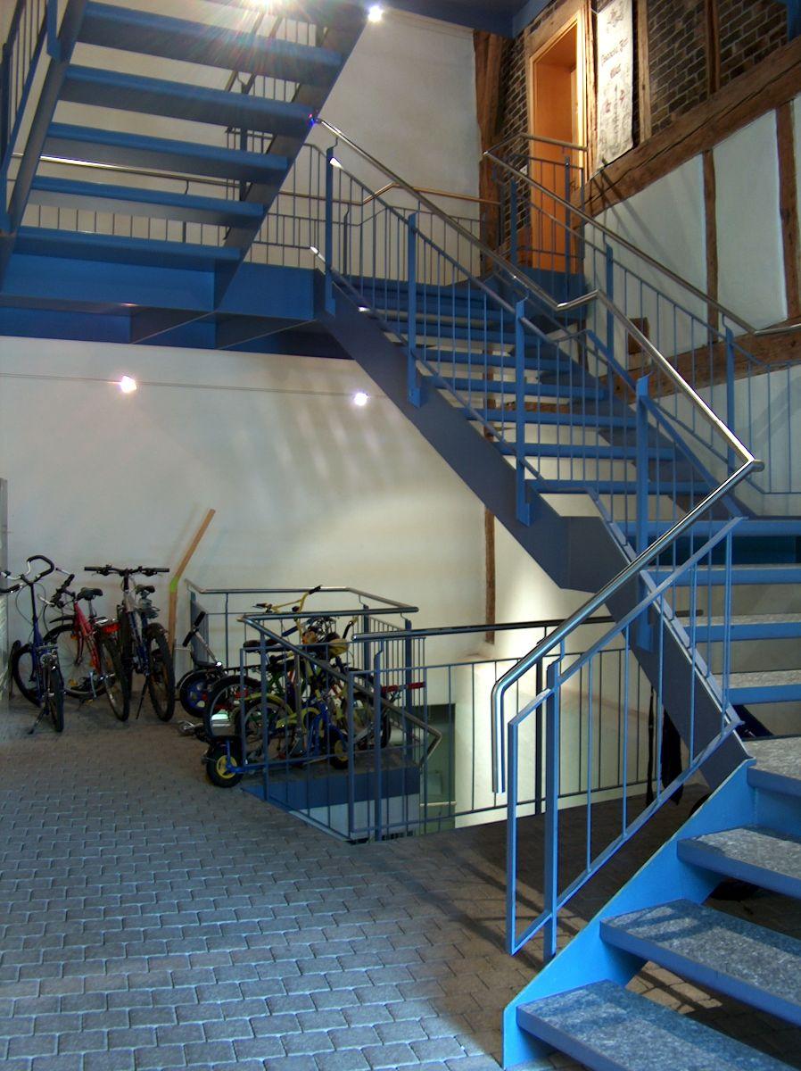 Stahltreppe im ehemaligen Tenn