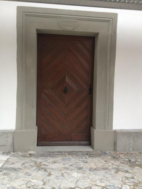 Eingangsportal nach Reprofilierung der Sandsteingewände