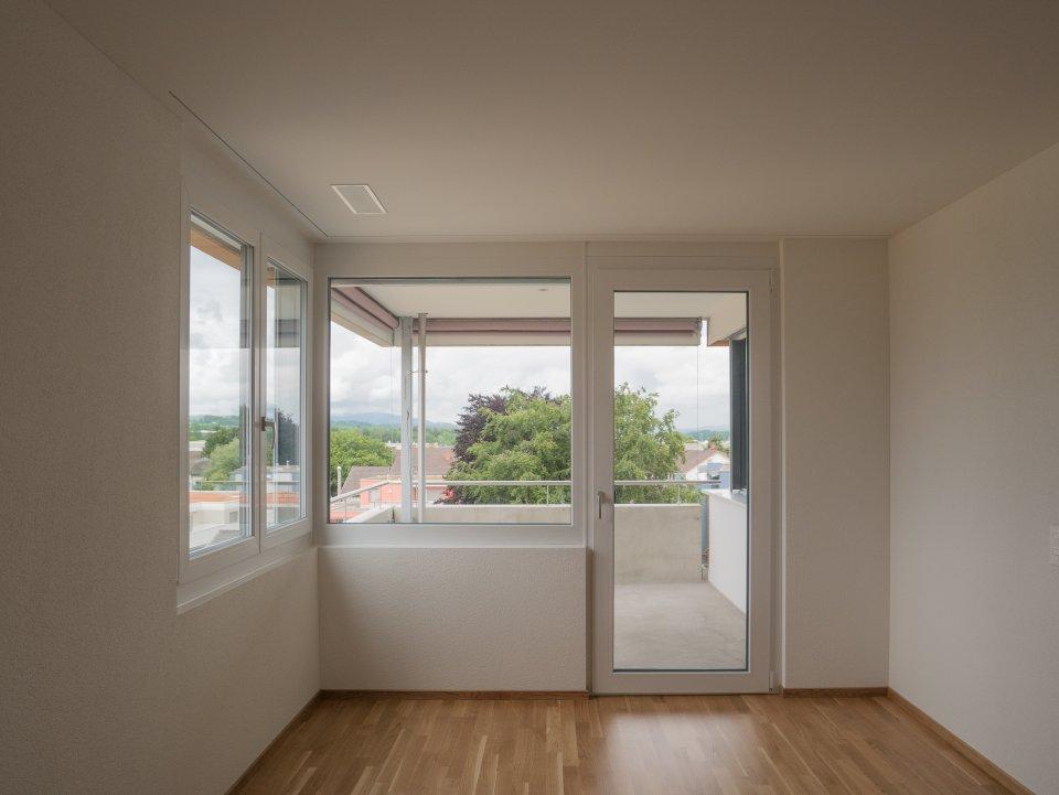 2 Zi Wohnung: Schlafzimmer/Balkon