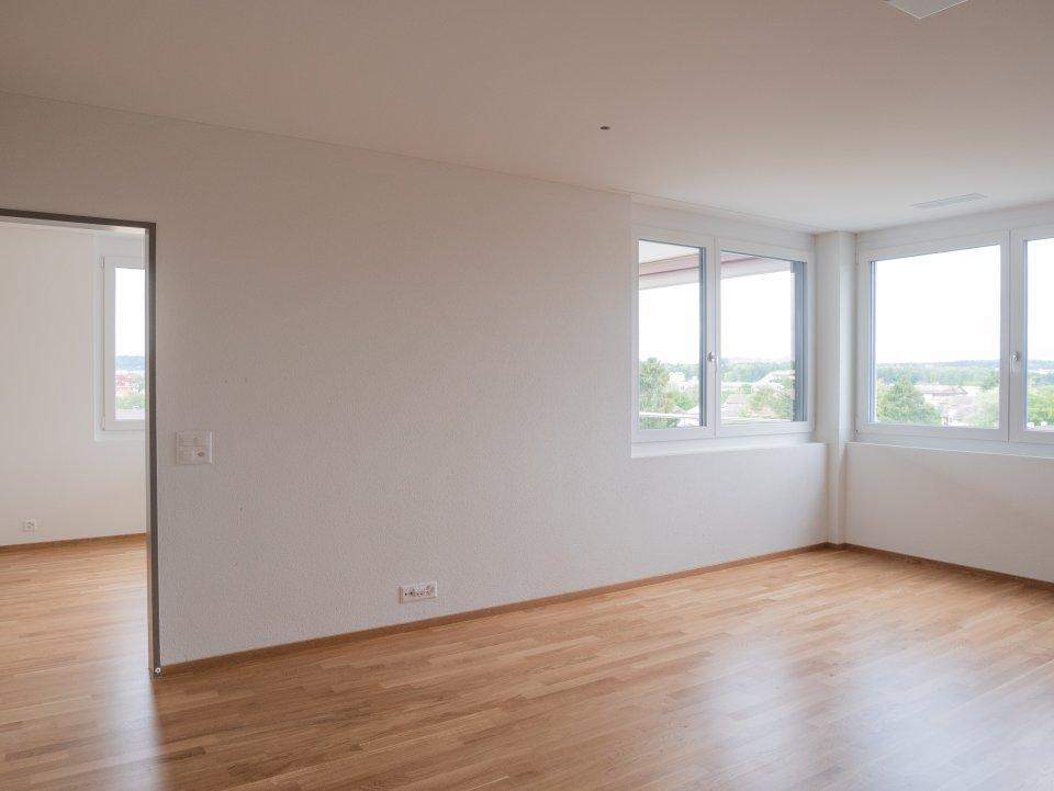 2 Zi Wohnung: Sicht von Wohnen zum Schlafzimmer
